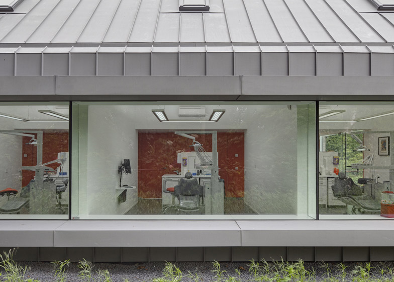 dezeen_Dentist-with-a-View-by-Shift-architecture-urbanism_ss_4