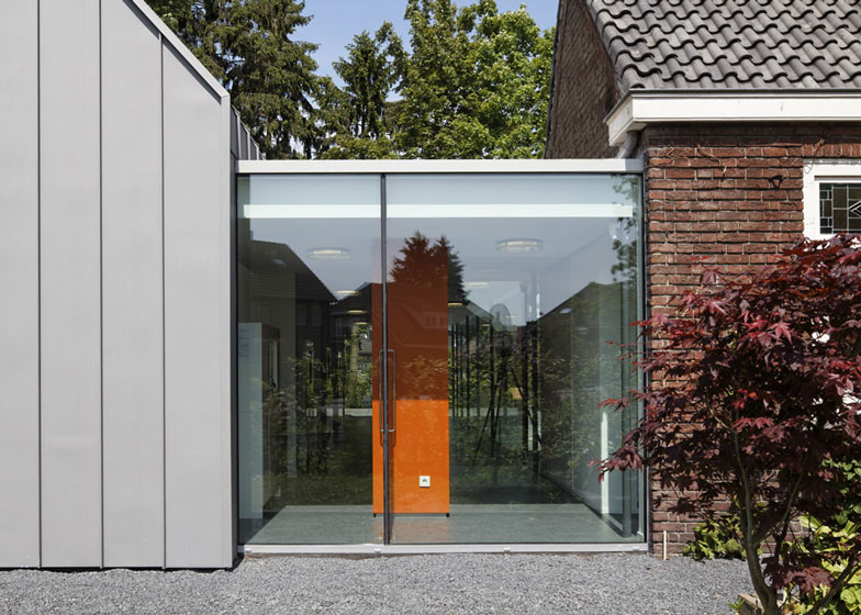 dezeen_Dentist-with-a-View-by-Shift-architecture-urbanism_ss_7